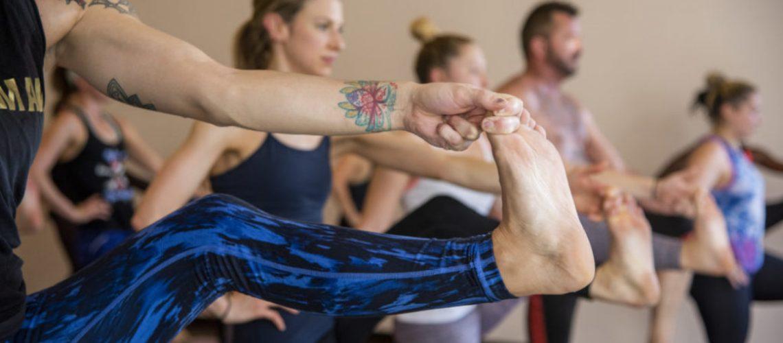 leg raise yoga pose